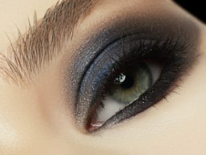 How To Apply Black And Silver Makeup